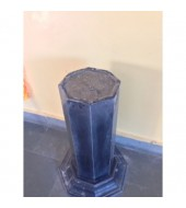 Black Granite Simple Pedestal
